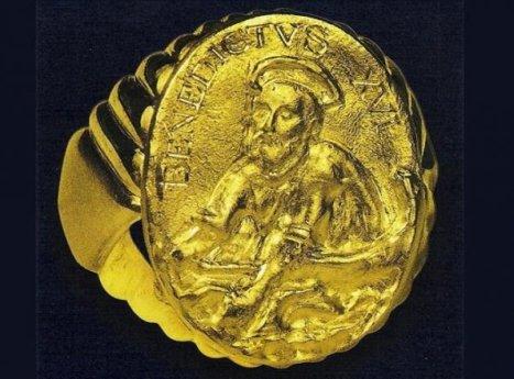 anillo-del-pescador-de-benedicto-xvi-_595_440_141054