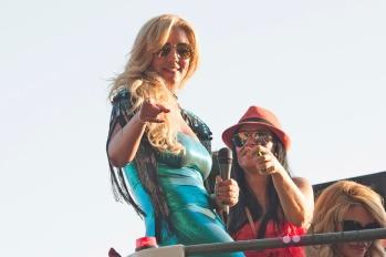FAMOSOS DESFILE ORGULLO GAY MADRID