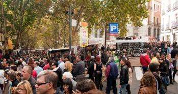 ESP= El Rastro. Madrid ENG= El Rastro, Madrid. Spain