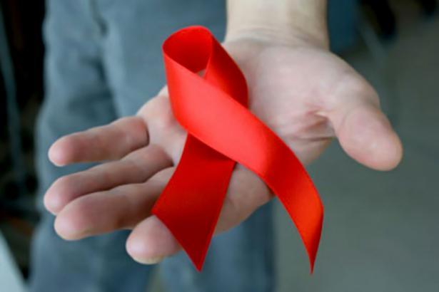 LAZO-ROJO-SIDA